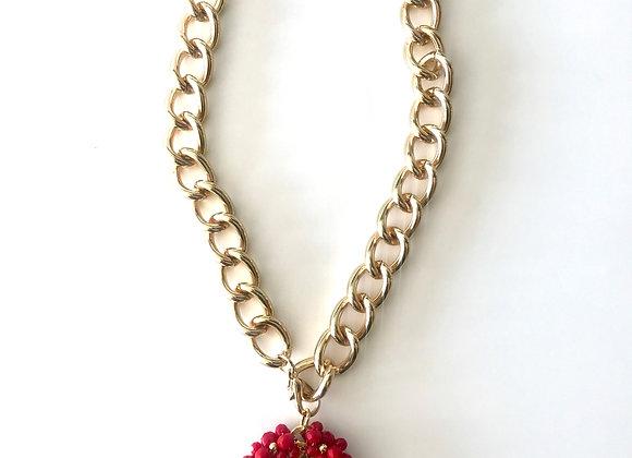 Medalla San Benito color rojo con chocker en color oro amarillo
