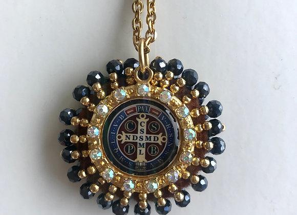 Medalla San Benito triple bordado