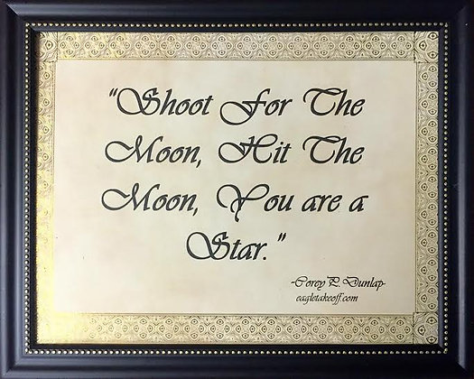 "Motivational Frame ""Shoot For the Moon"""