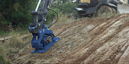 Rockwater RC Hydraulic Plate Compactor.j