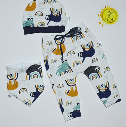 Organic baby gift set Sloths - harem pants,bib and hat