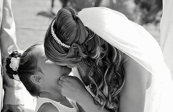 Cyprus photographer captures bride kissing daughter
