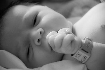 newborn photographer cyprus
