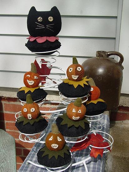 Peter Pumpkin & Friends- Pincushion Pattern