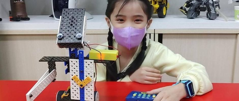 4. STEMBot 智能機械工程師課程