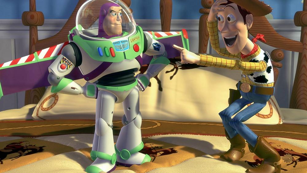 woody và buzz trong phim hoạt hình toy story của hãng pixar