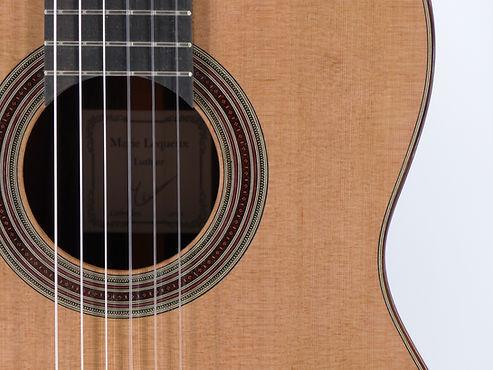 Marie Lequeux guitare cèdre