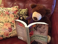 bear reading book.JPG