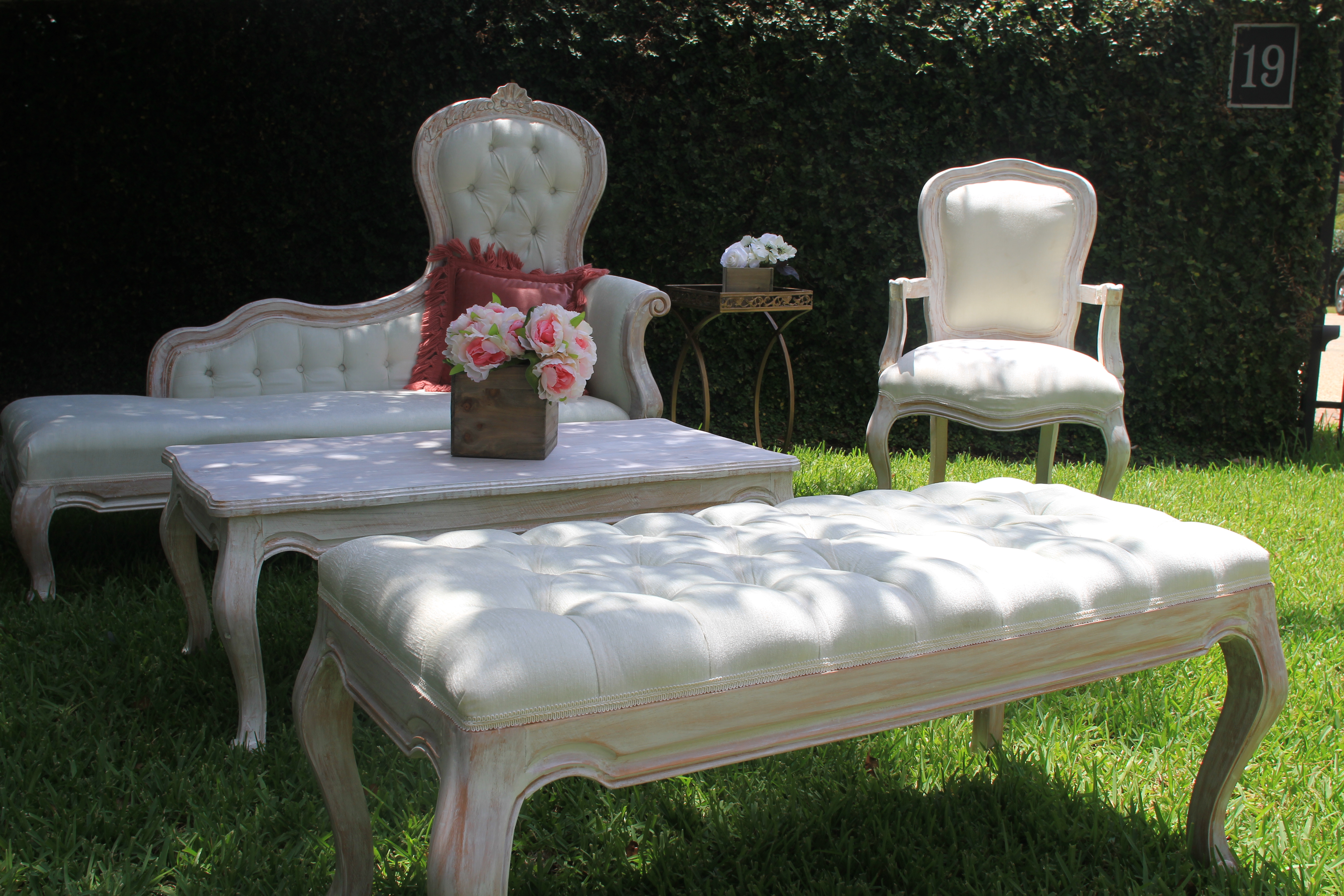 Dynasti Sheslom, Victorian Bench, french country arm chair