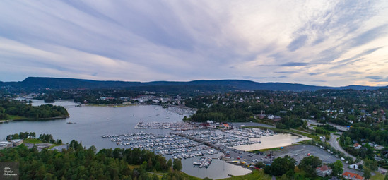 Dronepicture over Høvik Harbour