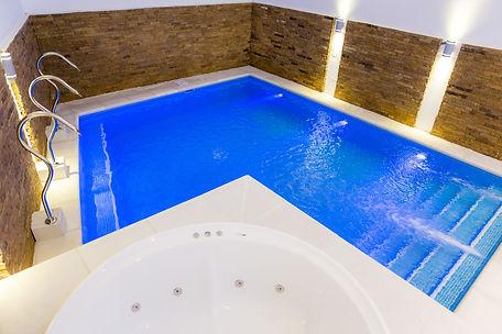 piscina climatizada circuito hidrico spa jacuzzi valeria del mar