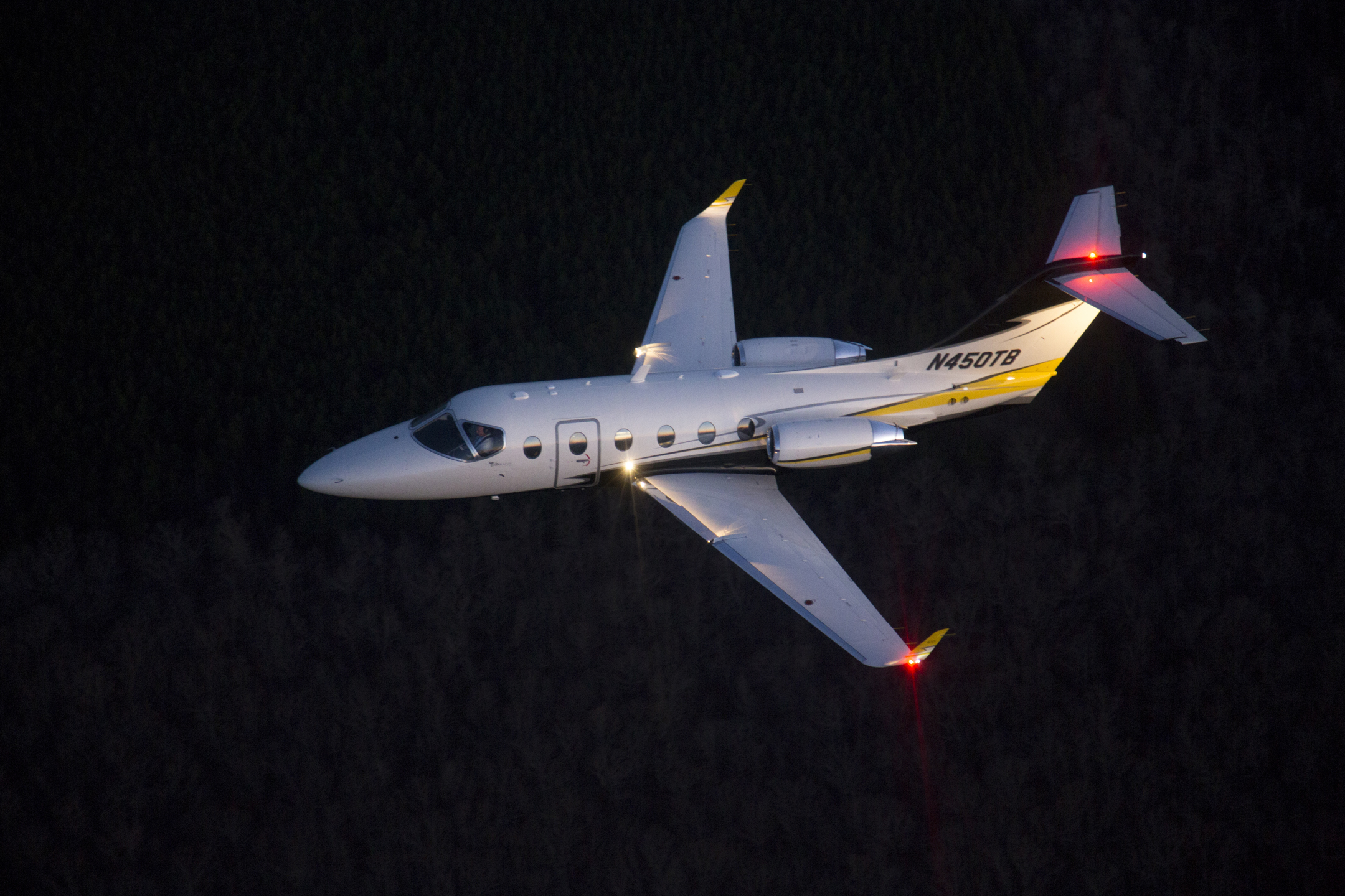 Beechjet dark morning