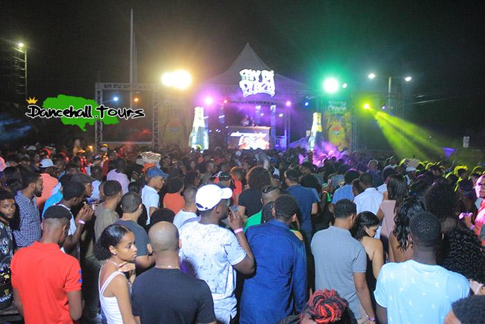 Pon di plaza