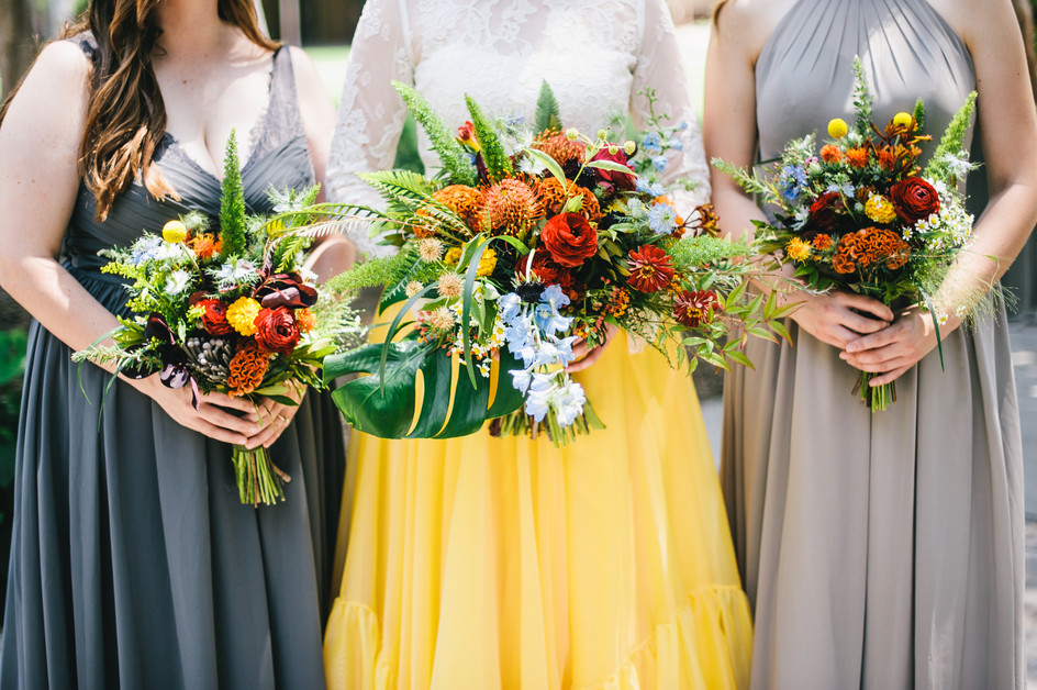 Photo by Matt McElligott Photography  Florals by Flowergarden 118