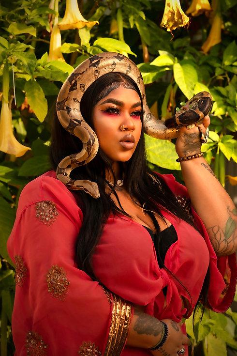 johnnay-lasha-snake-queen-1.jpg