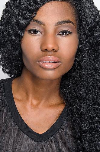 Beauty Headshot 1.jpg