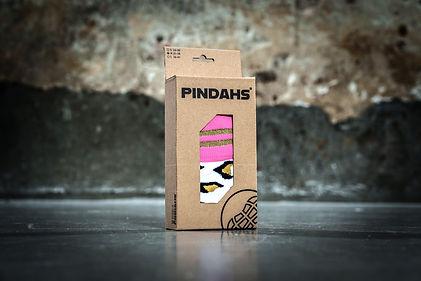 Duurzame verpakking gemaakt in Nederland van pindahs hockeysokken voor vrouwen en kinderen.