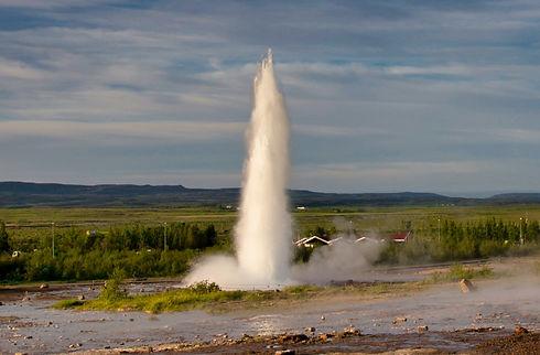 Iceland%20Geyser_pexels-koen-swiers-6178