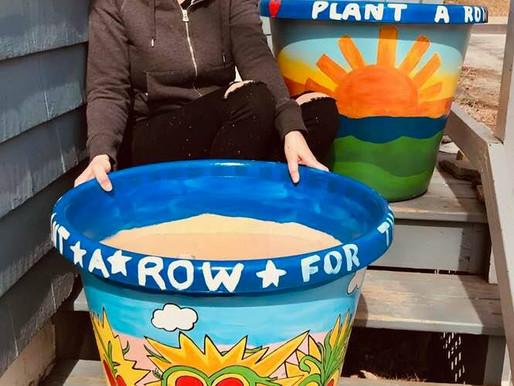 Local artist Elisha Grant Paints for Plant A Row