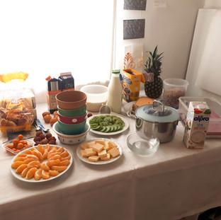 fruestuecksbuffet-mit-lauter-lecker-sach