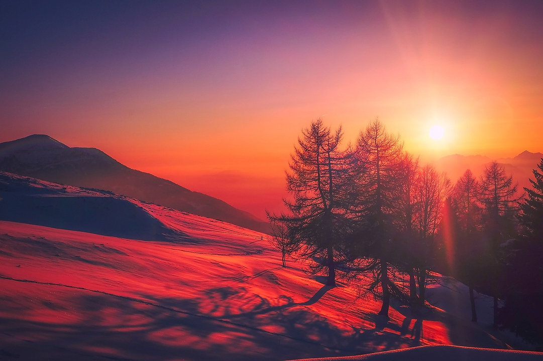 sunset-2080072_1920.jpg