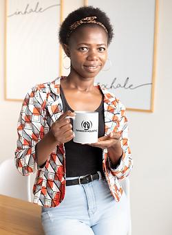 11-oz-coffee-mug-mockup-featuring-a-shor