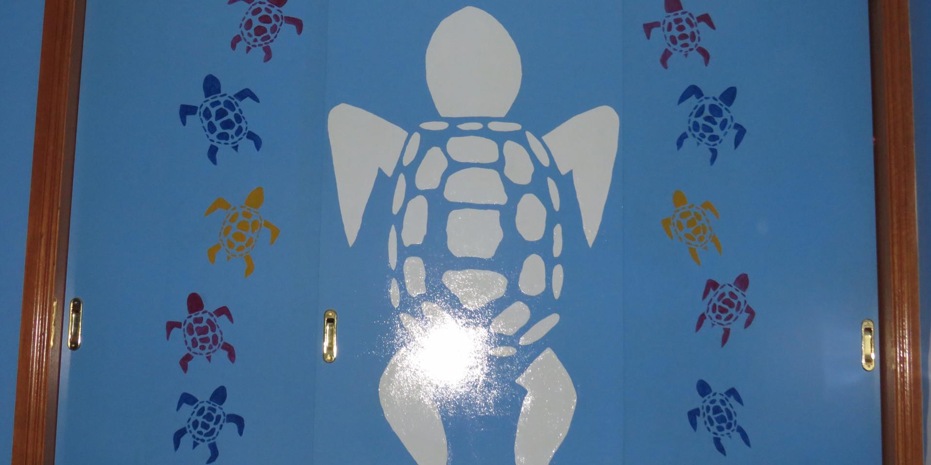 Treatment room Turtle wardrobe