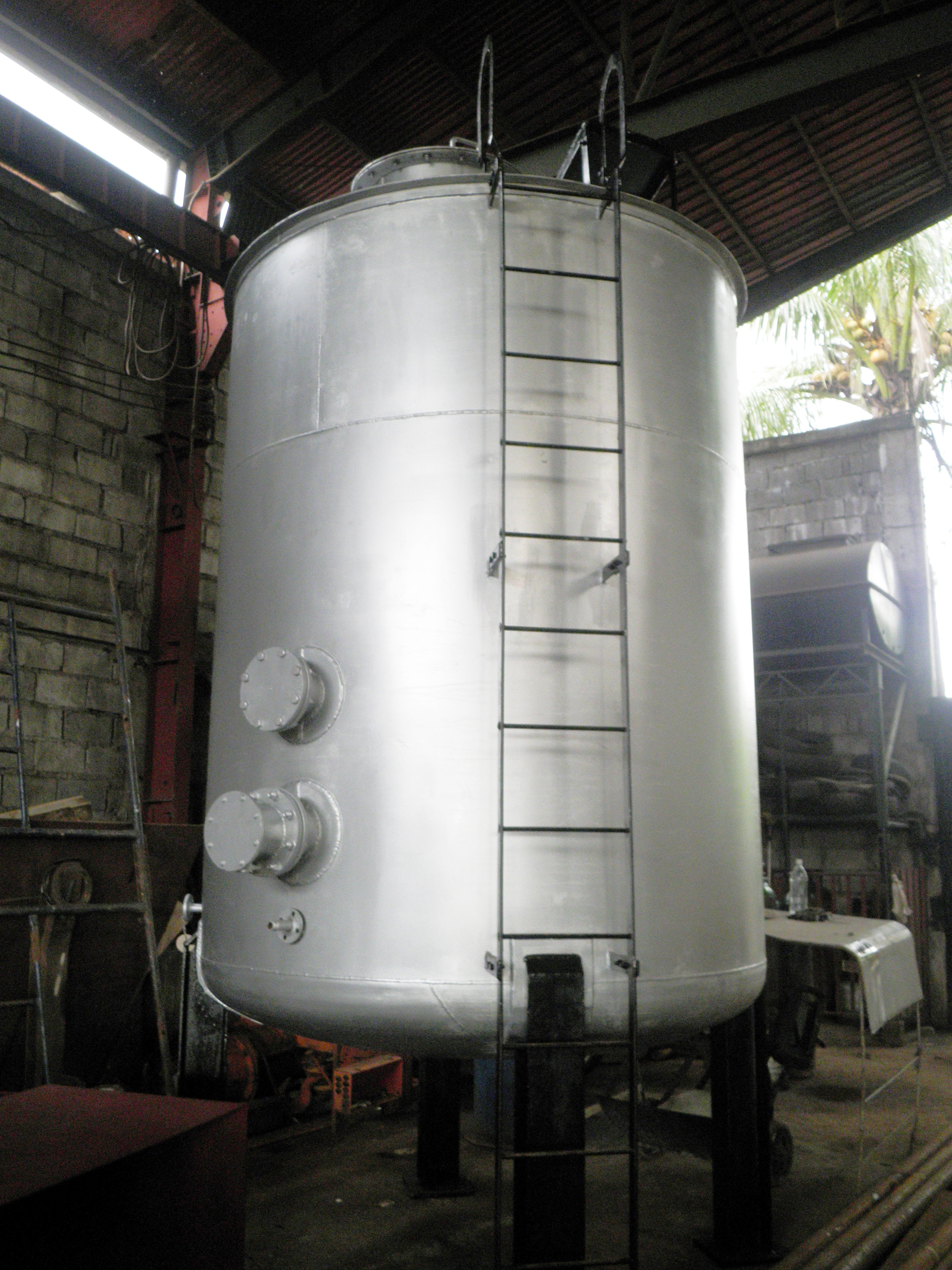 Fuel Oil Tank with Heating Coil.jpg