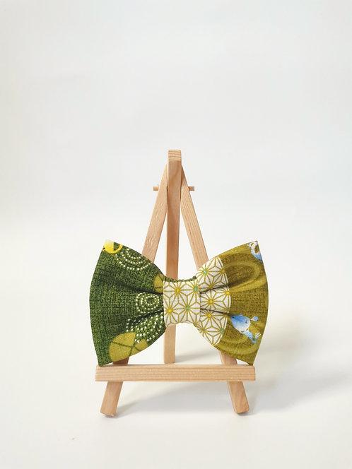 Kero Kero Green Vertical Bow Tie