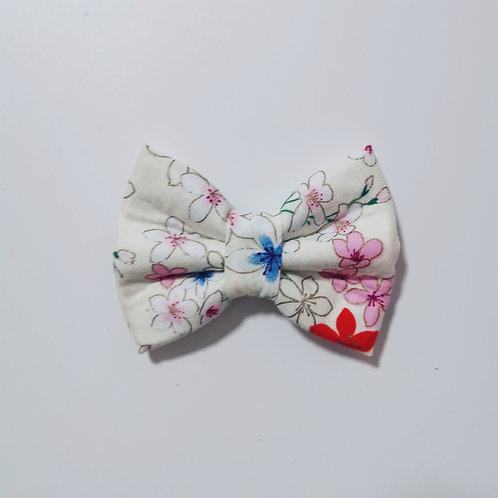 White Multiflower Bow Tie