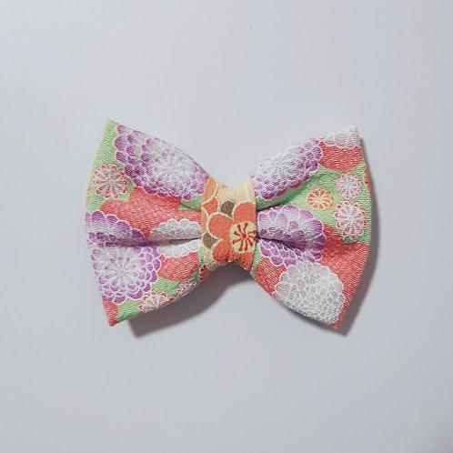 Green Chrysanthemum Bow Tie