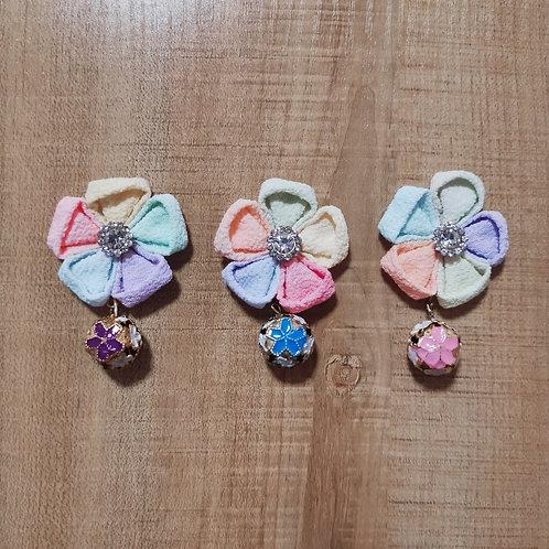 Nijihana (Rainbow Kanzashi Flower) with Bell Clip/Charm