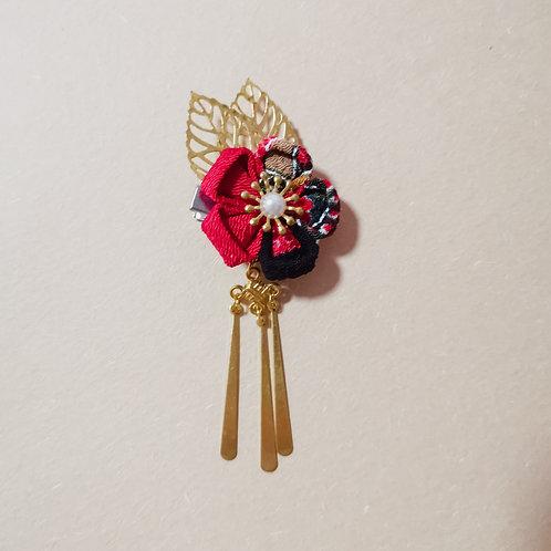 Kanzashi Flower with Metal Tassels Clip