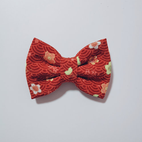 Red Flower Waves Bow Tie