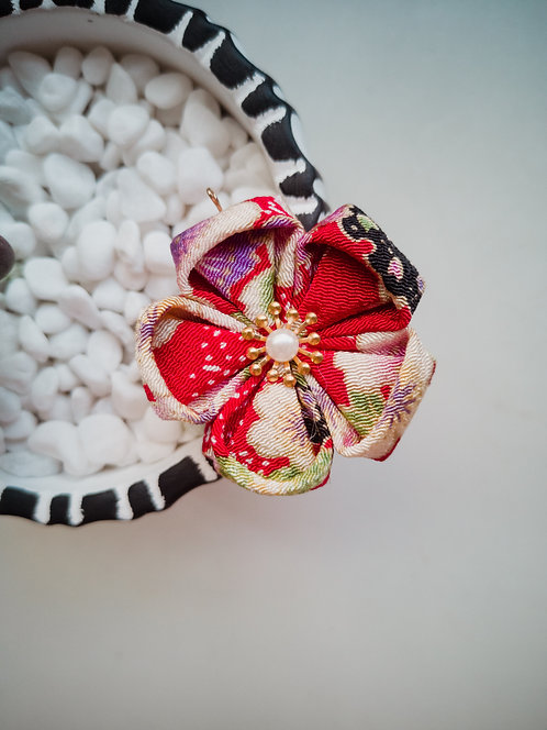 Floral Red Kanzashi Flower Charm/Keychain
