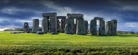 Stonehenge, Wiltshire, UK.jpg