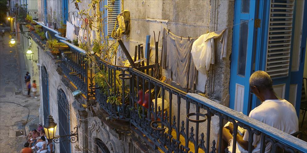 Plaza de la Catedral, Havana, Cuba.jpg