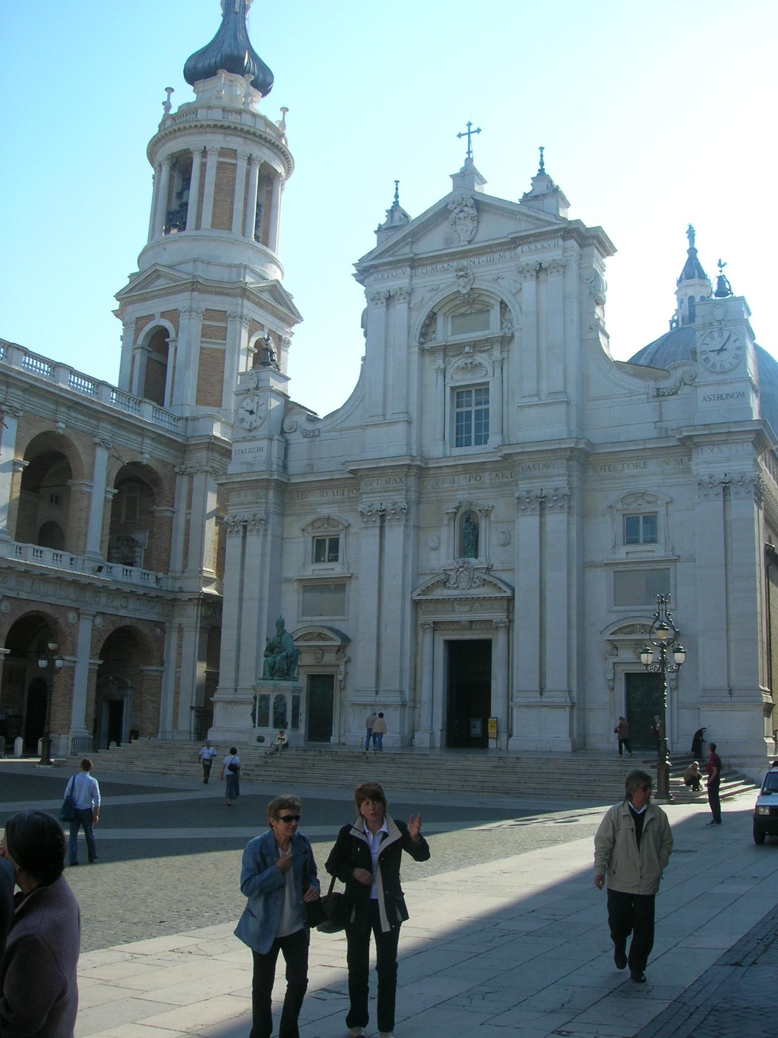 La Place de la Basilique