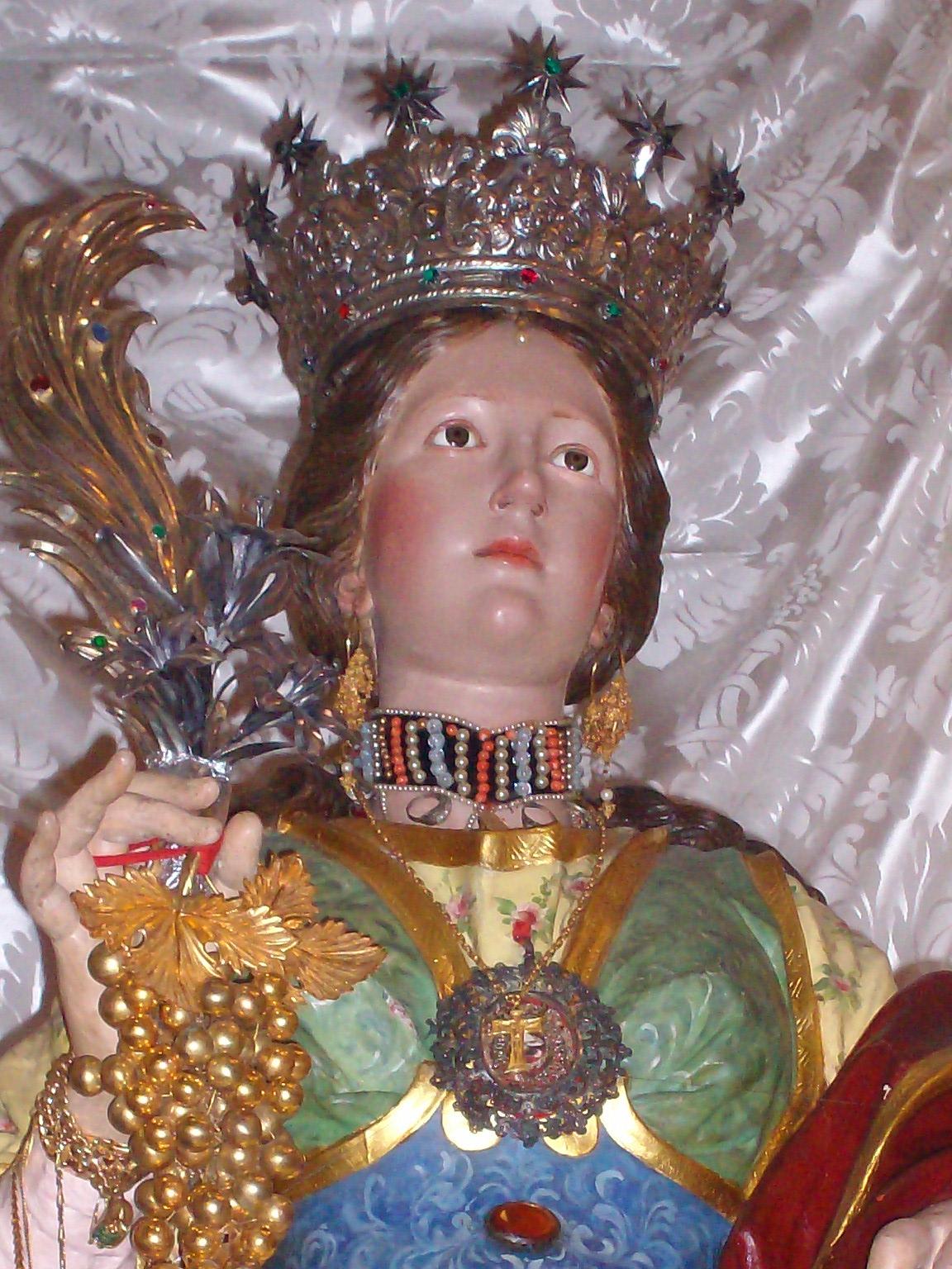 Santa_Restituta,_busto_policromo_del_1711