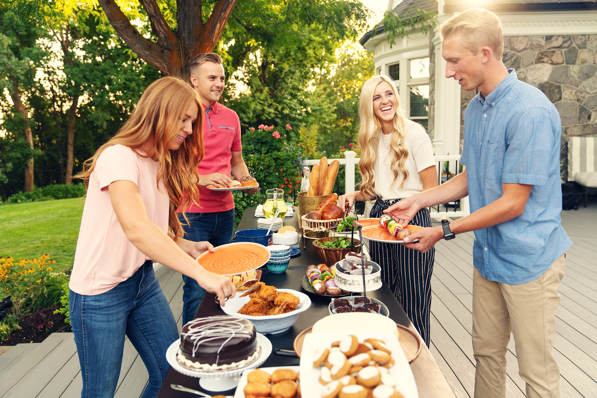 Outdoor Cookout Lifestyle - Lifetime