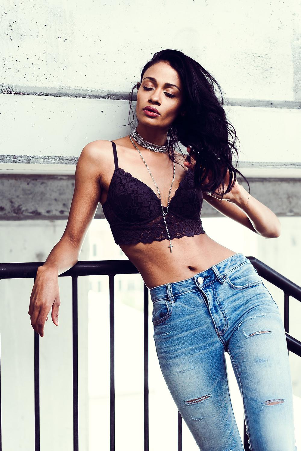 Street Fashion model in jeans