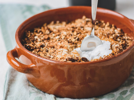 Heerlijke Appel kaneel ontbijt Crumble met plantaardige yoghurt   Gluten & Lactosevrij