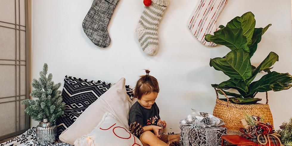 Christmas Themed Mini Photo Sessions ($40)