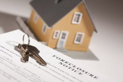 stockfresh_611348_foreclosure-notice-house-keys-and-model-home-on-gradated-backgr_sizeS_06