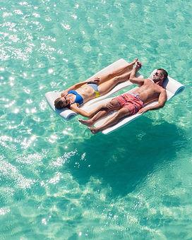 couples float 3.jpg