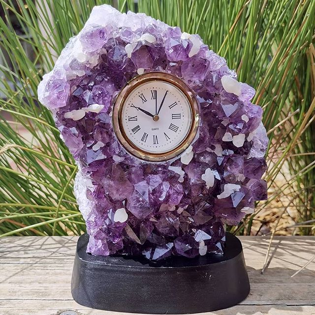 ⏰💜 Amethyst Crystal Clock 💜⏰ This piec