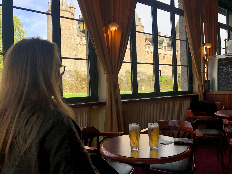 Bar opposite Castle