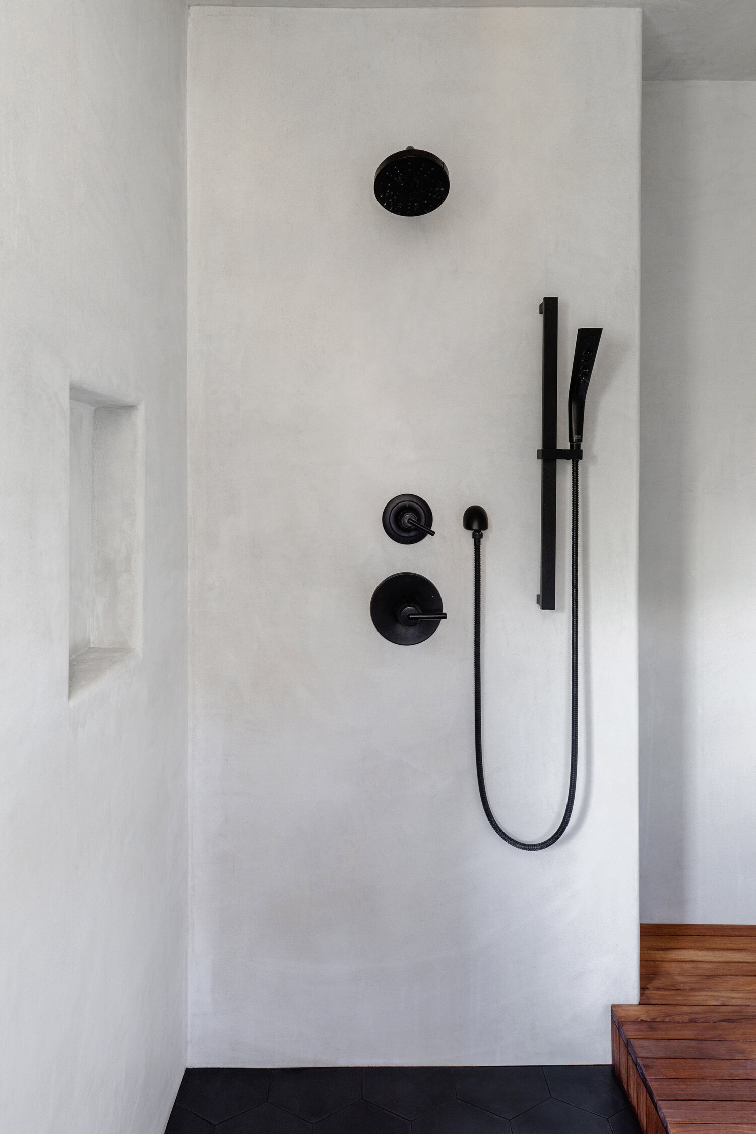 MICROCEMENT ON SHOWER WALLS