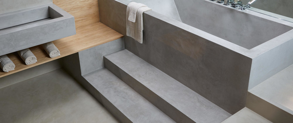 MICROCEMENT ON THE STEPS AND ON THE TUB
