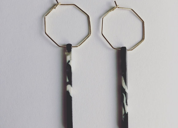 Black & White Acetate Bar on gold hexagon